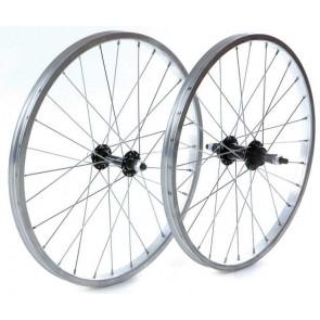 Wilkinson 20'' Solid Axle Kids Wheel
